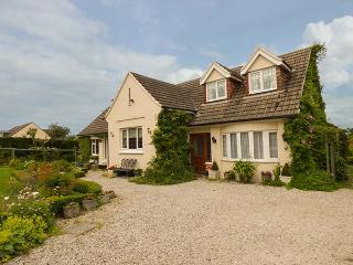 CLAIRE'S COTTAGE, cosy, single-storey annexe, off road parking, lawned garden