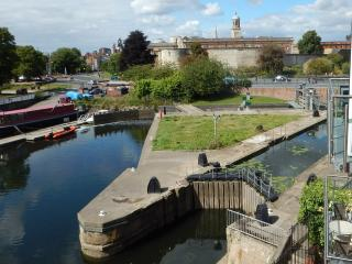 Stunning Apartment view of River & 19th Century Locks, Castle Museum and City.