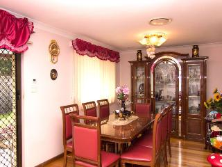 Private room in a family home, Randwick, Kingsford