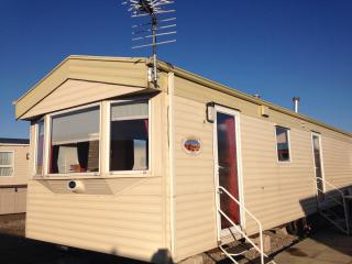 Caravan for hire Newton Hall Blackpool FY3 0AX
