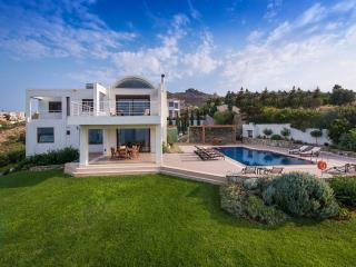5 Bedroom Luxury Villa, Ligaria