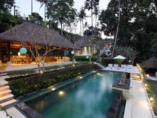 Villa Jewel - 5 Bedroom Villa at Cepaka Village
