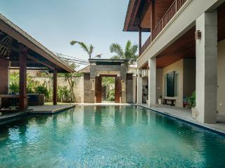 7 Bdrms/10 beds SEMINYAK, Great Location And Value!