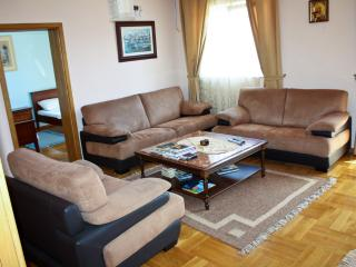 Great 2 bedrs apartment in Boreti - Becici