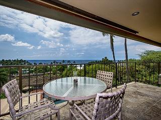 KBV 304 Top Floor Condo: Huge Oceanview, Elevators, Beach Walking Distance!, Kailua-Kona