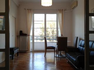 Nice apartment in avenue 5 minutes to the beach