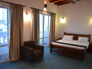 West Inn Colombo Luxury Triple Room