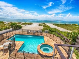 Sunshine's Hideaway - Beachfront Private Pool, Indian Rocks Beach