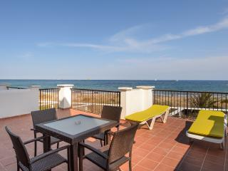 Beach front TERRACE sea view!BM JM, Playa d'en Bossa