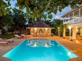 A Summer Place on Discovery Bay, Sleeps 14