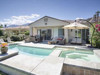 PGAWEST La Quinta 3BR/3BA Pool & Jacuzzi on the Fairway
