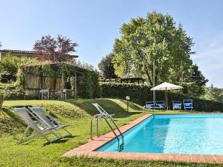 Casa Rosa, Sleeps 12, Lucca