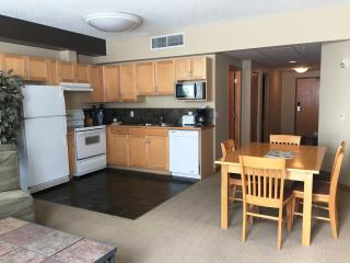 RockiesRentals.ca: Centrally Located 3 Bdrm Condo, Canmore