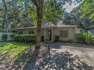 Paradise found! Amazing Renovated 5 Hollyberry Lane, Free Bikes, Pool, Tennis, Hilton Head