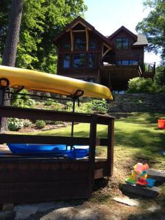3 adult kayaks, 2 child kayaks and one canoe are available