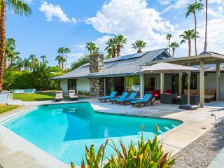 Modern Escape, Sleeps 8, Palm Springs