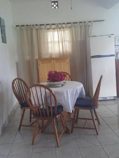 cozy dinning area