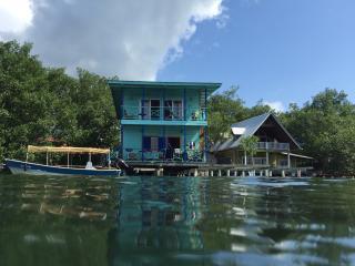 Caribbean's colors, Bocas Town