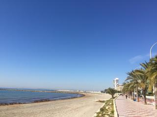 Ideal Apartment 70 mt. Beach, pool, wifi, 6 people, Santa Pola