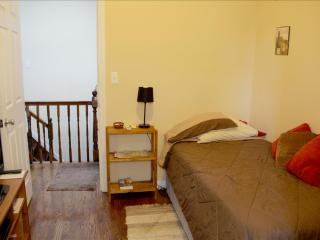 Cheap, Cheerful AND Super Cozy !!!!, Brooklyn
