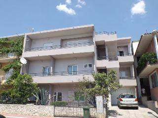 Nice Apartment for 4- great price!!