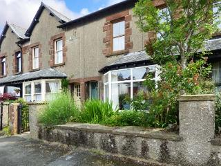 2 WEST VIEW, terraced cottage, WiFi, woodburner, close to amenities, garden, in