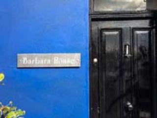 BARBARA HOUSE, Grade II listed, enclosed garden, in Llanon, Ref 925553