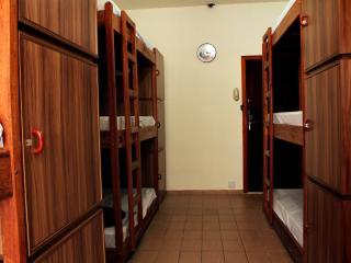 Cama em Dormitorio Misto na Av Paulista