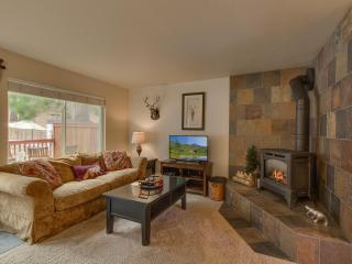 Stairway to Heavenly – Steps from Heavenly, Plush Furnishings, Community Pool & Spa, Fireplace, Wifi, South Lake Tahoe
