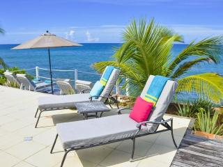 BELLE AMOUR...5BR fall in love again! Breathtaking sunsets right on the ocean..., St. Martin/St. Maarten