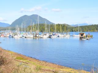 Two Story, 2 Bedroom 2 Bath Apt with Large Patio, Tofino