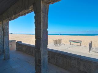 3515 A Seashore - Lower 3 Bedroom 2 Bath, Newport Beach