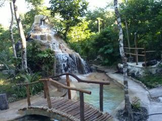 Los Jaguares , Ecotourism in Tulum: Hut Ceiba