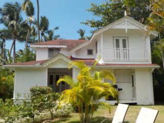 Villa 3 bedrooms - 300m from the Popi beach