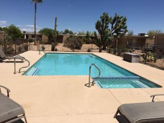 Vacation rental,newely remoled,community pool&spa