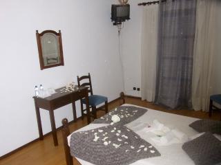 Residencial Canhota, Mira