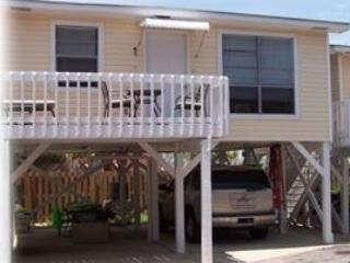 Adorable beach cottage on West Beach, Gulf Shores, AL in a condo complex