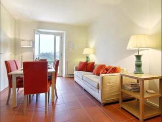 Spacious Villa Fiesole III apartment in Bolognese with WiFi, airconditioning
