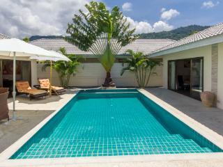 Villa 4 P with private pool, Maret