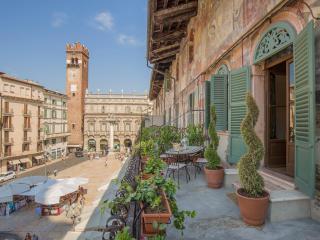 Corte Realdi Suites Verona - Piazza Erbe Suite, Vérone