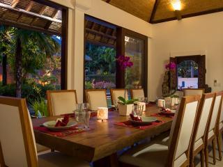 Bali Holiday Villa 27041