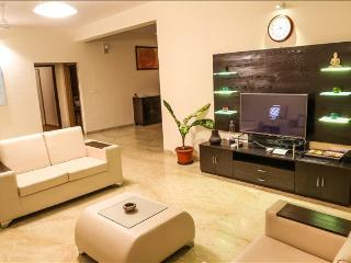 4bhk Superior- Sea view Luxury Apt, Dona Paula Goa
