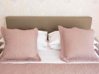 camera da letto: letto matrimoniale