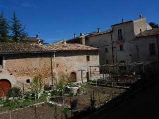 Casa Rossa cosy/schick country house, Fontecchio