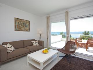 Villa Jolara, Apartment 7, Mimice