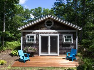 MCAUM - Thoughtfull Architectual Design set Amidst an Estate Property, Bordered
