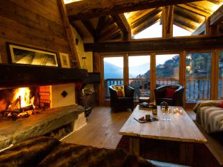 Alpine Ski Chalet Glorious Mountainside Setting, Sainte-Foy-Tarentaise