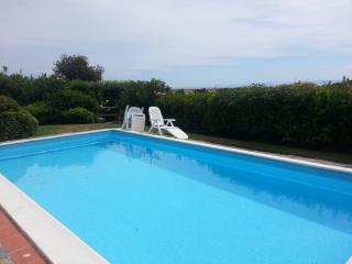Villa dei Gemelli 6 p.l. giardino, piscina privata, Stintino