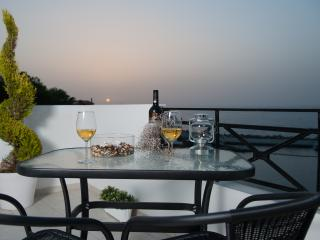 Castello Apartments,Penthouse suite near the sea, Panormos
