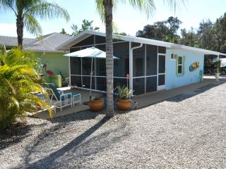 Beachy Cottage, W of the Trail, Bike to the Beach, Bonita Springs